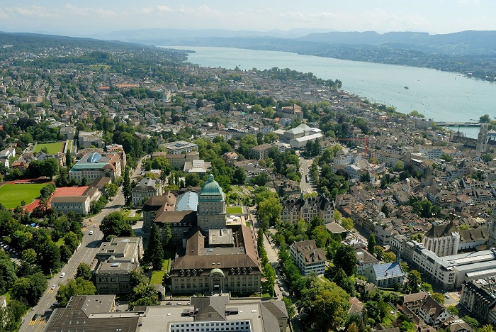 Zurich and its lake